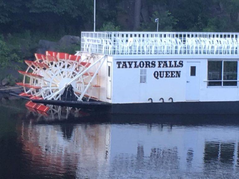 paddleboattaylorsfalls-768x576